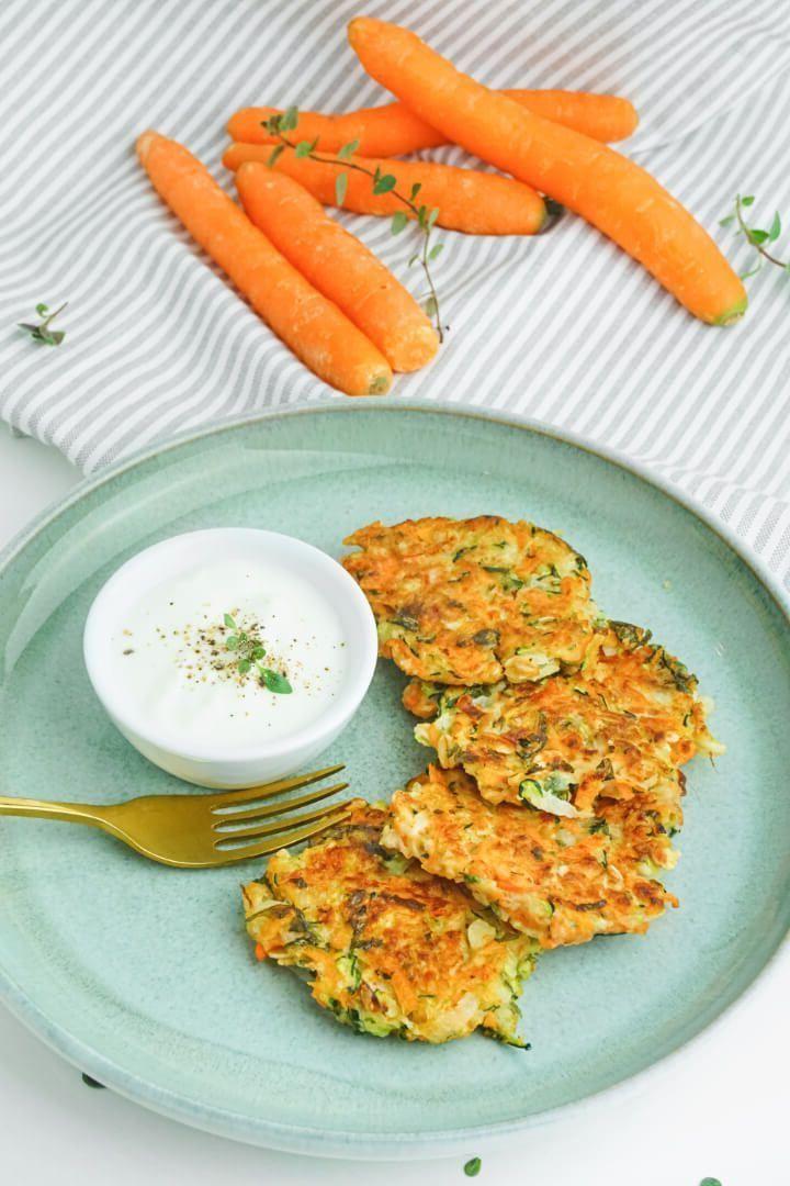 Panqueques de zanahoria con calabacín: receta saludable y vegetariana para