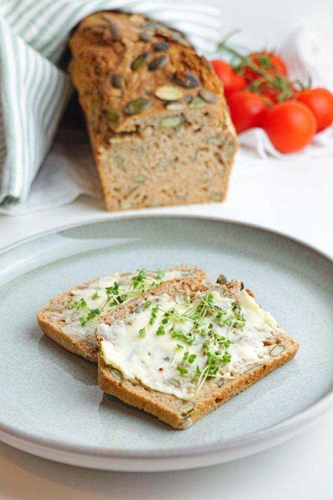 Hornee pan integral usted mismo: receta de pan integral saludable