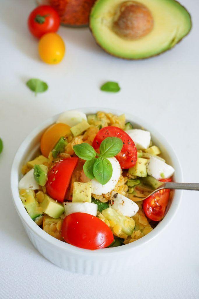 Ensalada vegetariana de lentejas con mozzarella: una receta saludable con